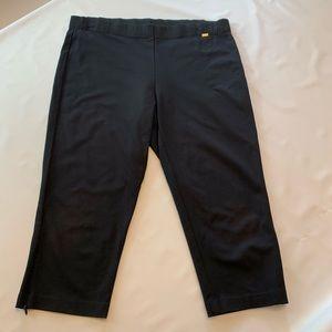 St. John Cotton Knit Pull on Capri Pants Sm/Md